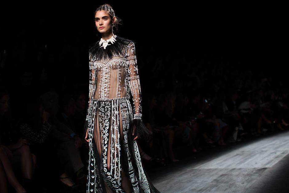 Valentino: кружево и кожа в круизной коллекции