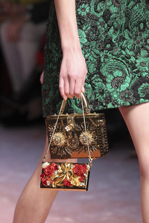 Осень-зима 2010/11: «мобильные» сумочки от Dolce & Gabbana